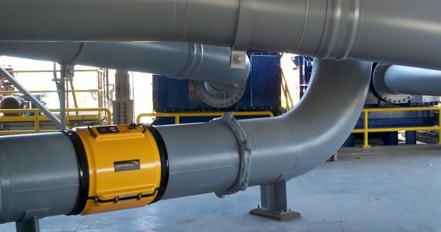 Medida de caudal sónico para aplicaciones con aire y sólidos